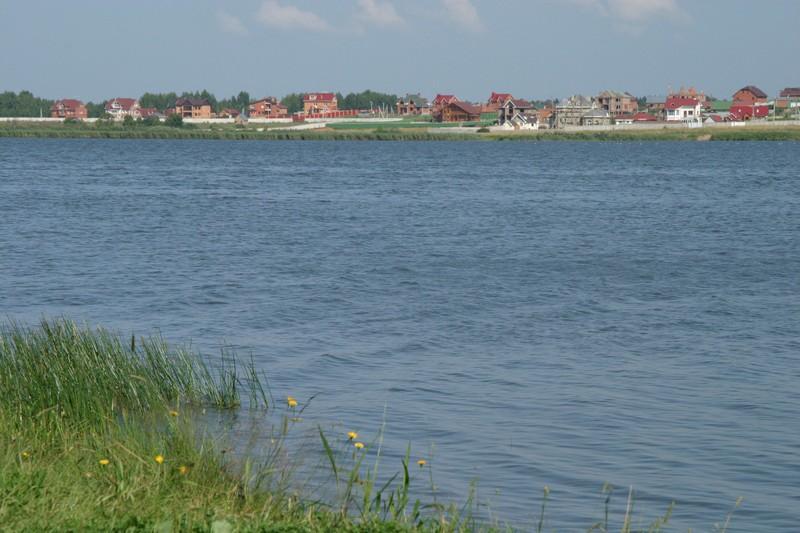 Круглое озеро Подмосковье